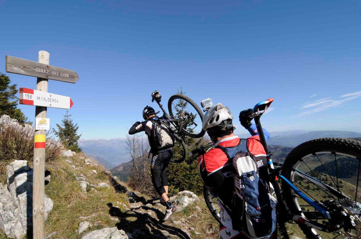 Esperienza mountain bike sul Monte Grappa durante le tue vacanze MTB in Veneto sulle Colline del Prosecco