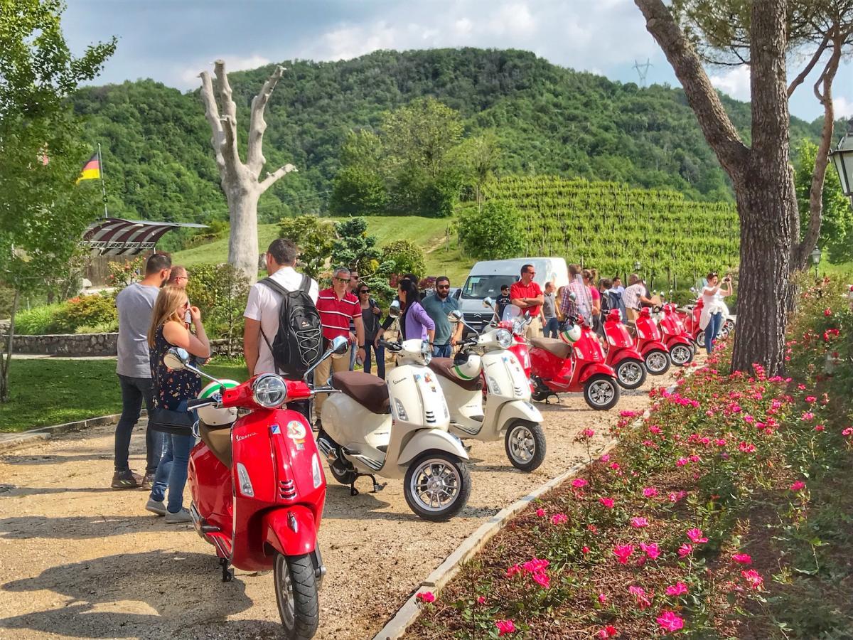 Vespa rent Dolomiti - Noleggio Vespa Colline del Prosecco e dintorni