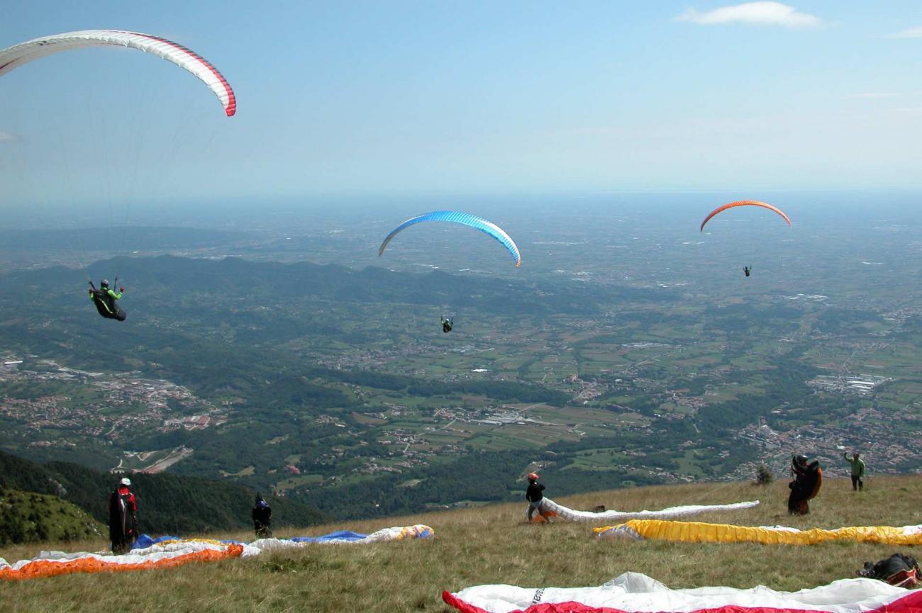 Monte Grappa in parapendio sulle Colline del Prosecco Valdobbiadene