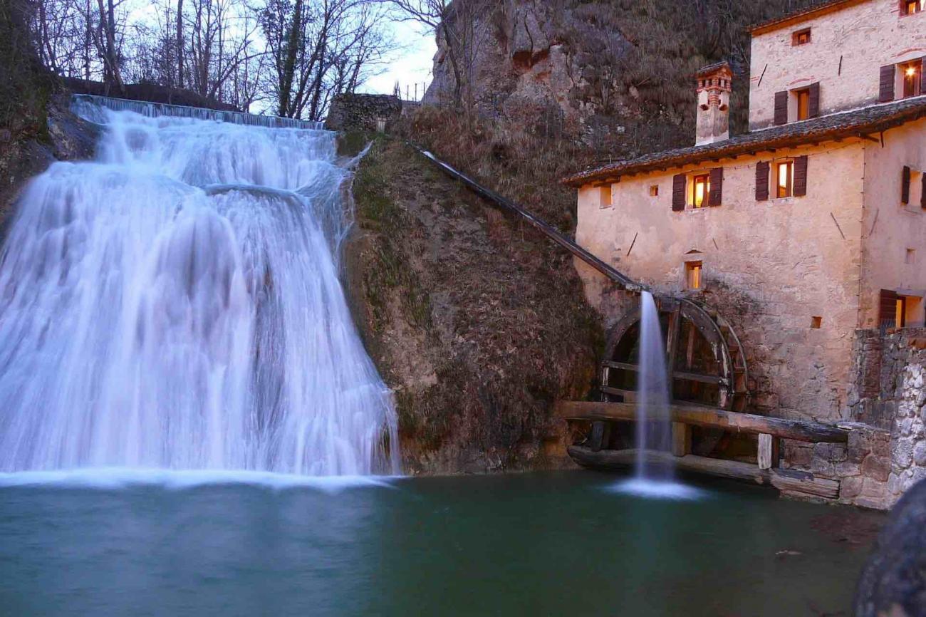 Molinetto della Croda, nella valle del Lierza, rappresenta uno dei più suggestivi angoli della Marca Trevigiana