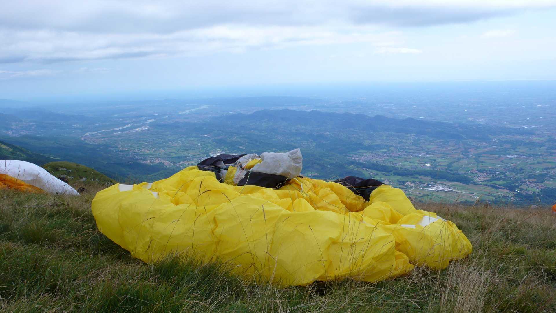 Esperienza in parapendio sulle Colline del Prosecco Valdobbiadene, Monte Grappa in Veneto