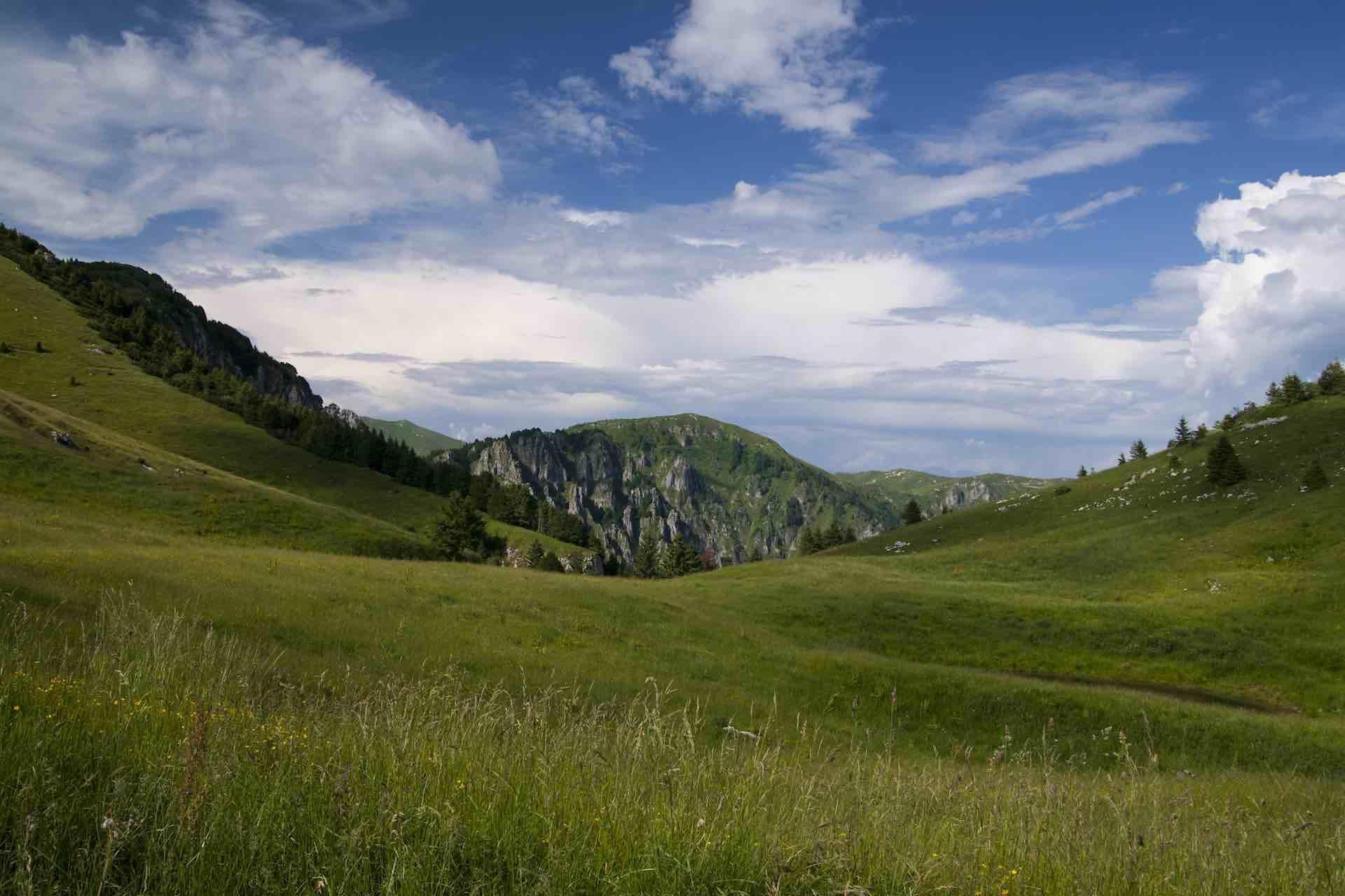 Trekking sull'Alta Via delle Prealpi Trevigiane TV1 per conoscere la montagna trevigiana che si affaccia sulla Laguna di Venezia