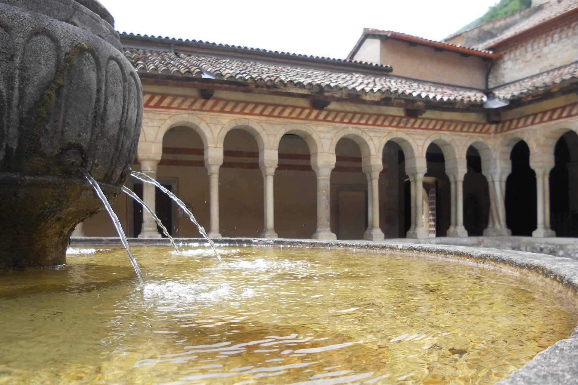 Le colline del Prosecco ospitano l'Abbazia Cistercense di Santa Maria a Follina in Treviso