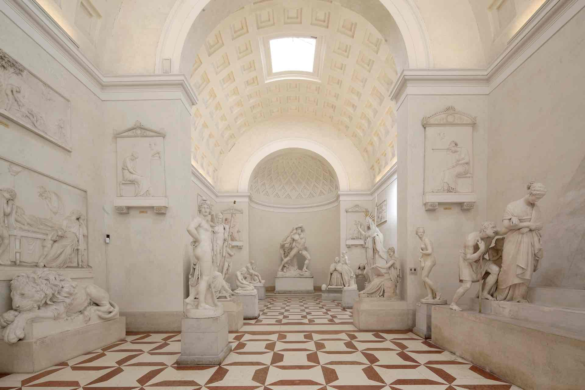 Il tempio di Antonio Canova a Possagno sulle Colline del Prosecco in Veneto