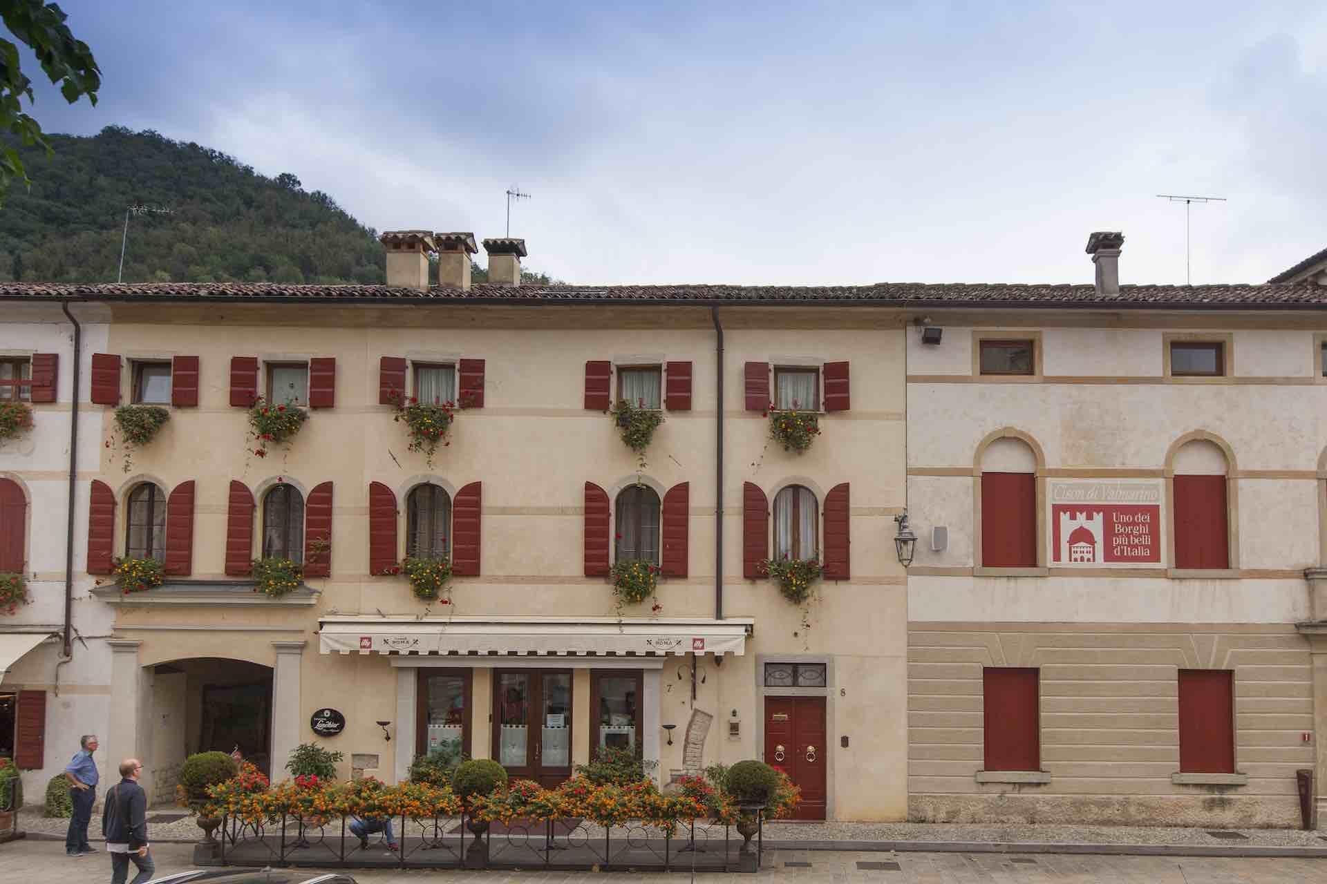 Visita uno dei Borghi più belli d'Italia in Treviso: Cison di Valmarino